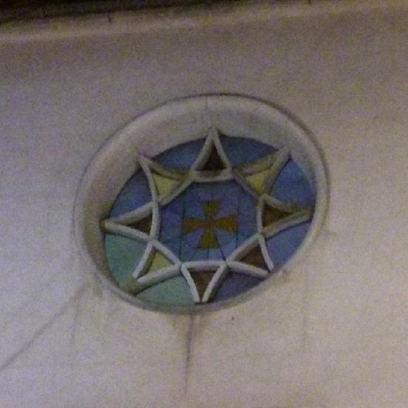 En rosetón de la iglesia de Vértigo