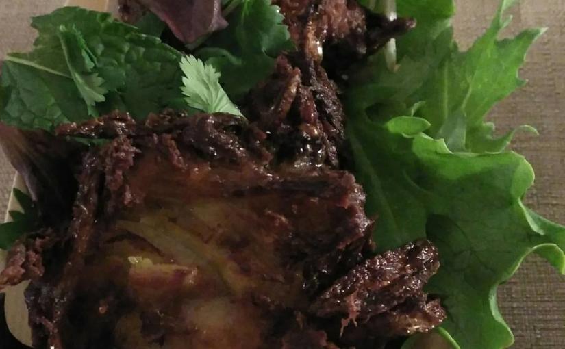 Por fin probamos los famosos onion bhaji de @monterrucacatering
